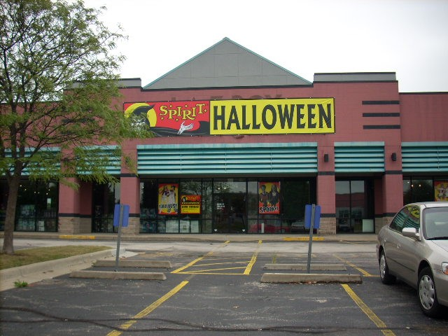 High Mall Vacancy Rate Good for Halloween Retailers - Everybody ...