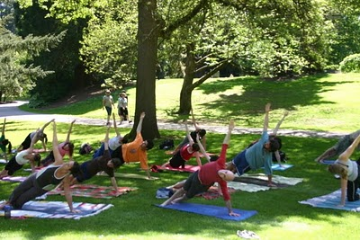 yoga-in-the-park1