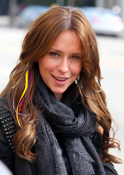jennifer-love-hewitt-hair-feathers