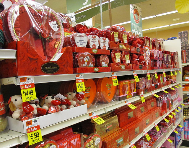 5 Ways to Avoid Being Price Gouged on Valentine's Day